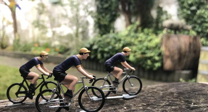 Miniatuurwielrenners te koop: €15 per stuk